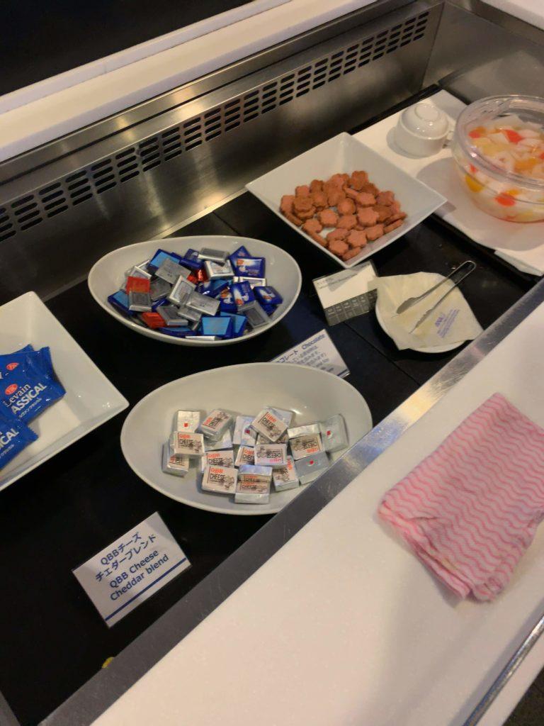 羽田空港国際線ANAラウンジチョコレートチーズ