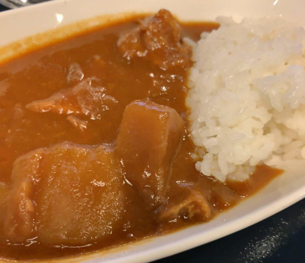 羽田空港国際線ANAラウンジカレー