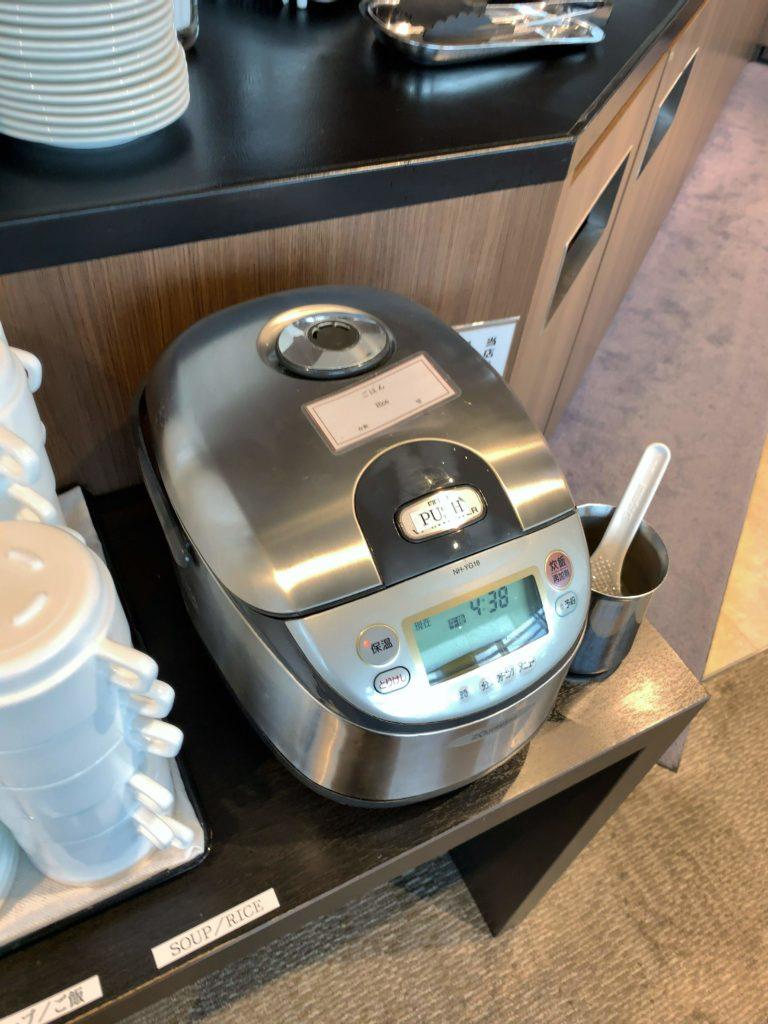 TIATラウンジ羽田空港国際線 炊飯器