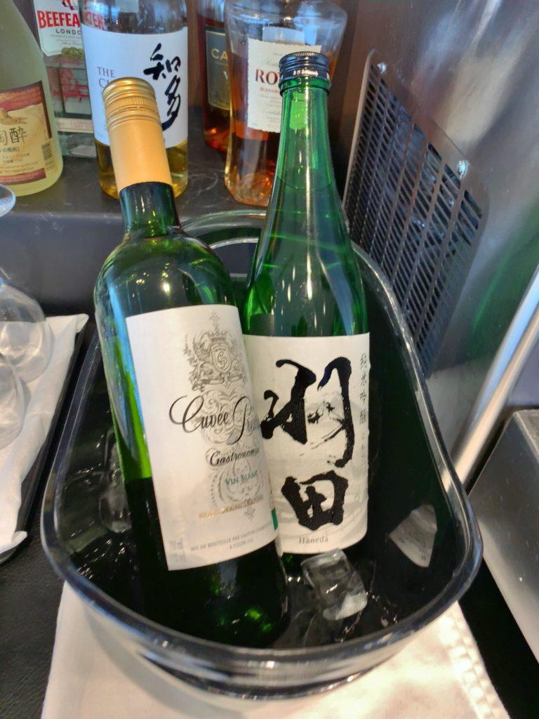 TIATラウンジ羽田空港国際線 日本酒羽田 白ワイン