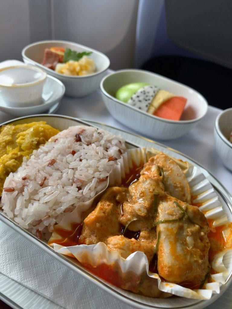 タイ国際航空短距離ビジネスクラス食事カレー