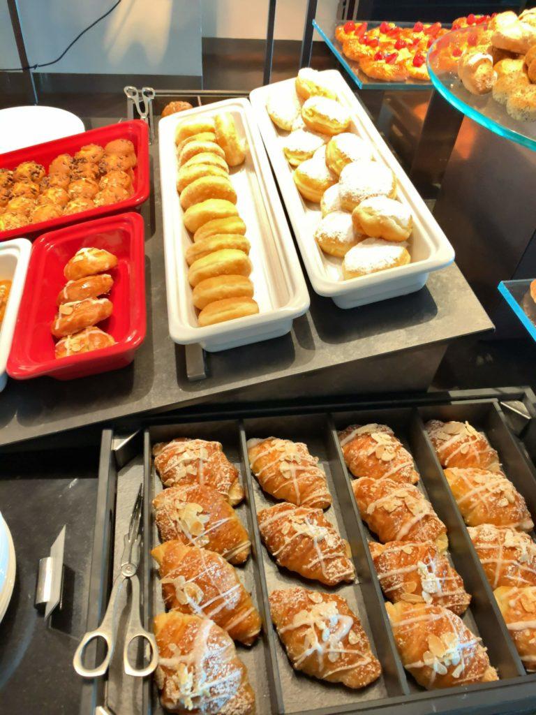 セントレジスバンコク朝食 パン3