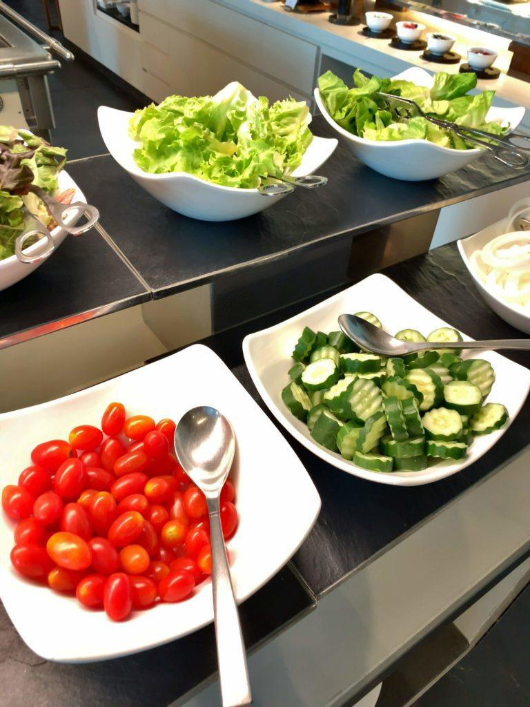 セントレジスバンコク朝食 サラダ