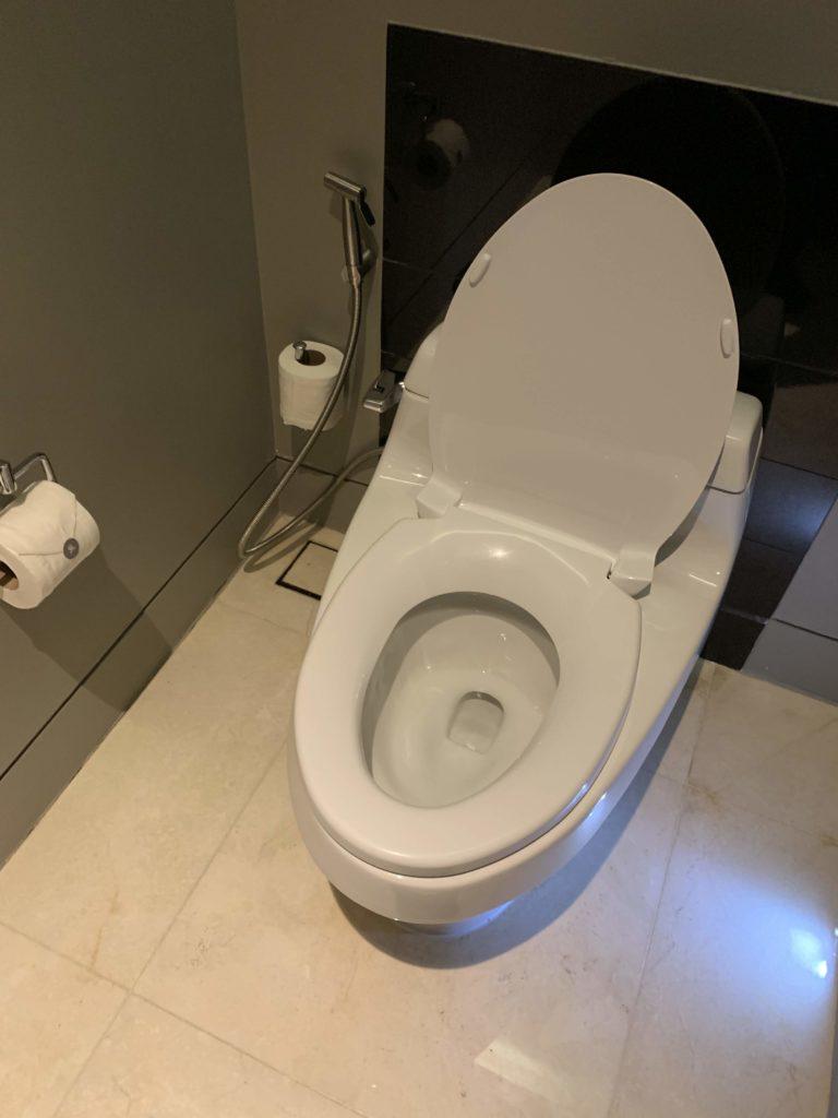 セントレジスバンコクトイレ