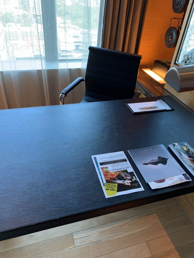ルネッサンス・バンコク・ラッチャプラソーン・ホテル デスク