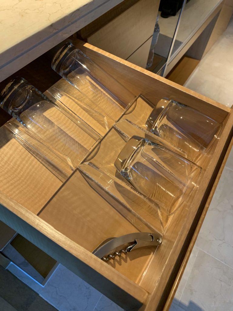 ルネッサンス・バンコク・ラッチャプラソーン・ホテル グラス
