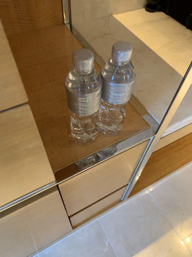 ルネッサンス・バンコク・ラッチャプラソーン・ホテル 無料の水