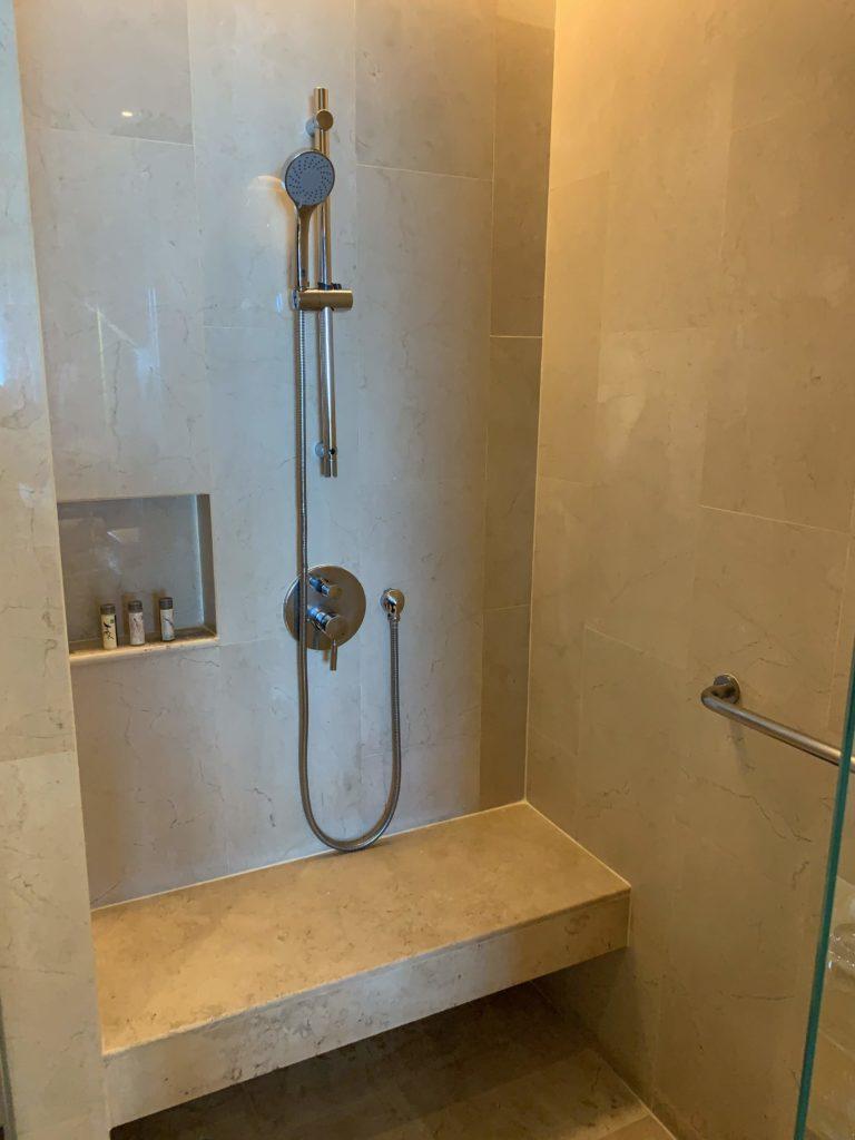 ルネッサンス・バンコク・ラッチャプラソーン・ホテル シャワー