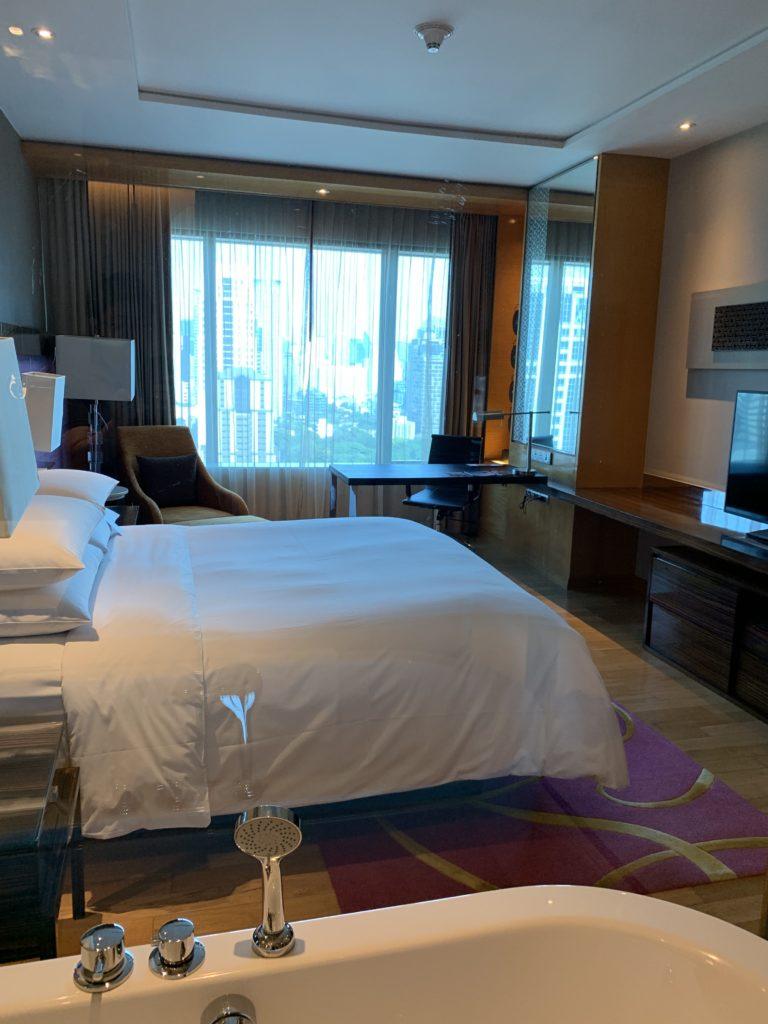 ルネッサンス・バンコク・ラッチャプラソーン・ホテル お風呂からお部屋