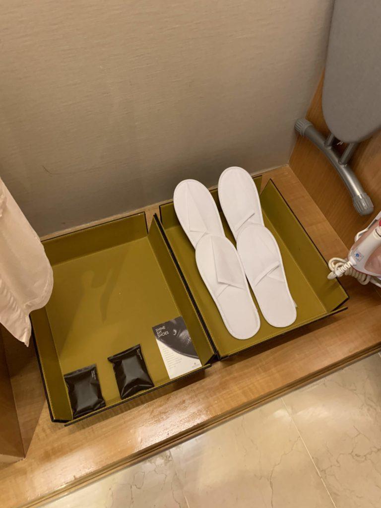 ルネッサンス・バンコク・ラッチャプラソーン・ホテル スリッパ