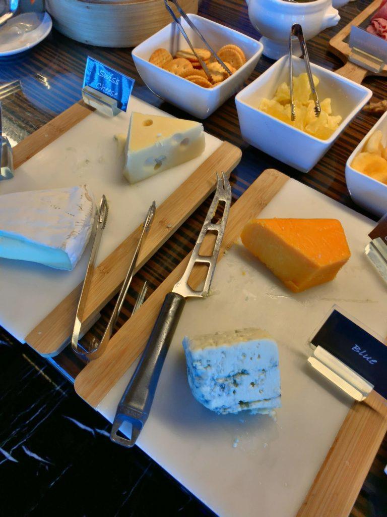 ルネッサンスバンコクラウンジチーズ