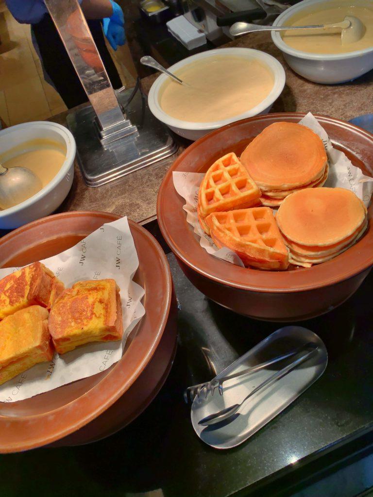JWマリオット・ホテル・バンコク朝食ワッフル