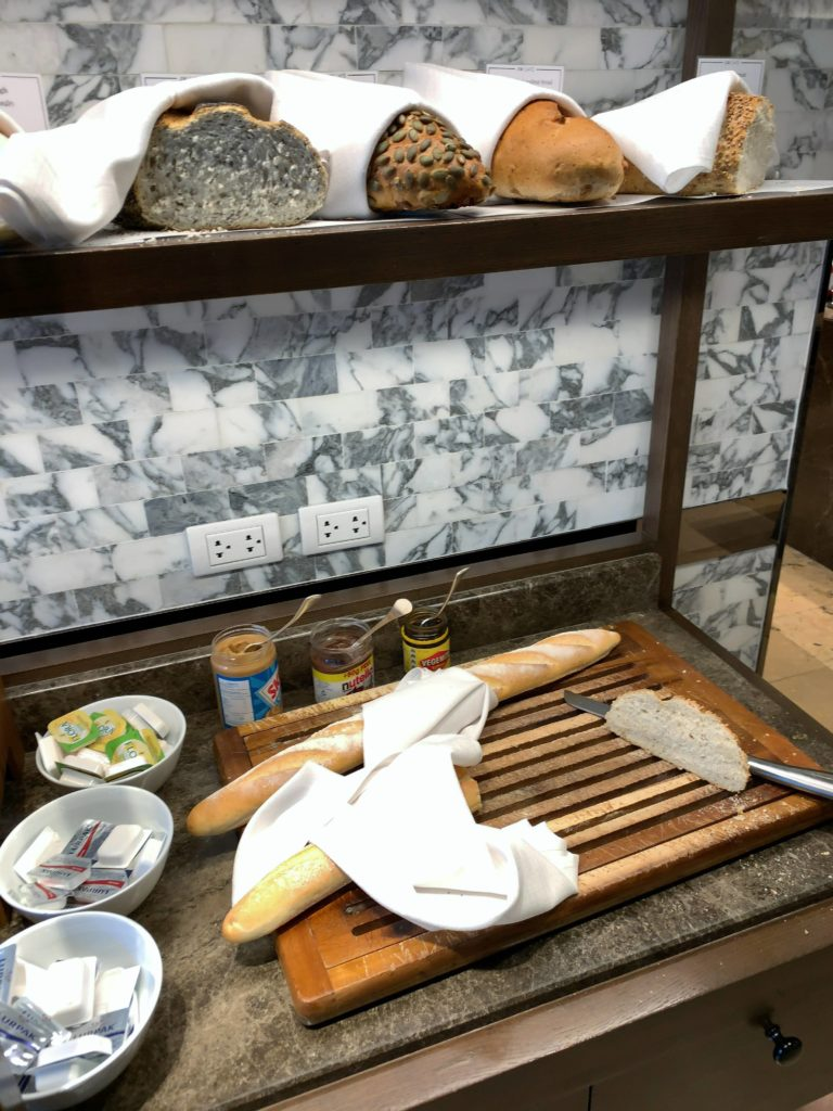 JWマリオット・ホテル・バンコク朝食パン4
